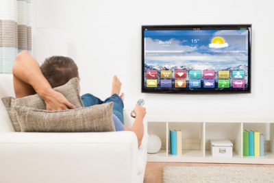 smart_tv_set_on_watch_online