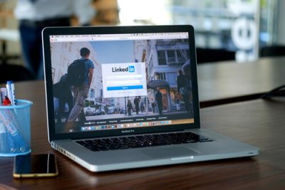 how_to_find_people_online_using_linkedin