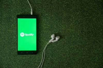 spotify_users_using_hacking_apps