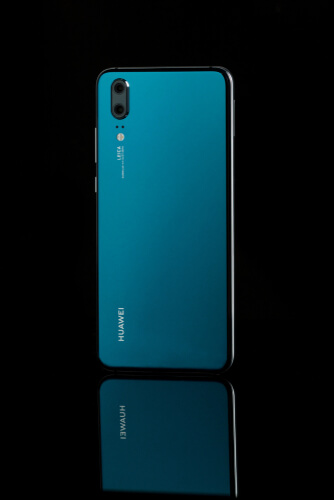 shutterstock_1067151197  - shutterstock 1067151197 - The United States has indicted Huawei for selling technology to Iran.