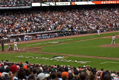1024px-Barry_Bonds_Dan_Haren_2007_MLB_All-Star_Game