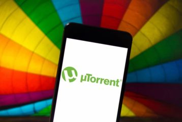 an image of utorrent on a mobile device