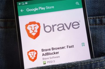 Brave browser running on android in pocket